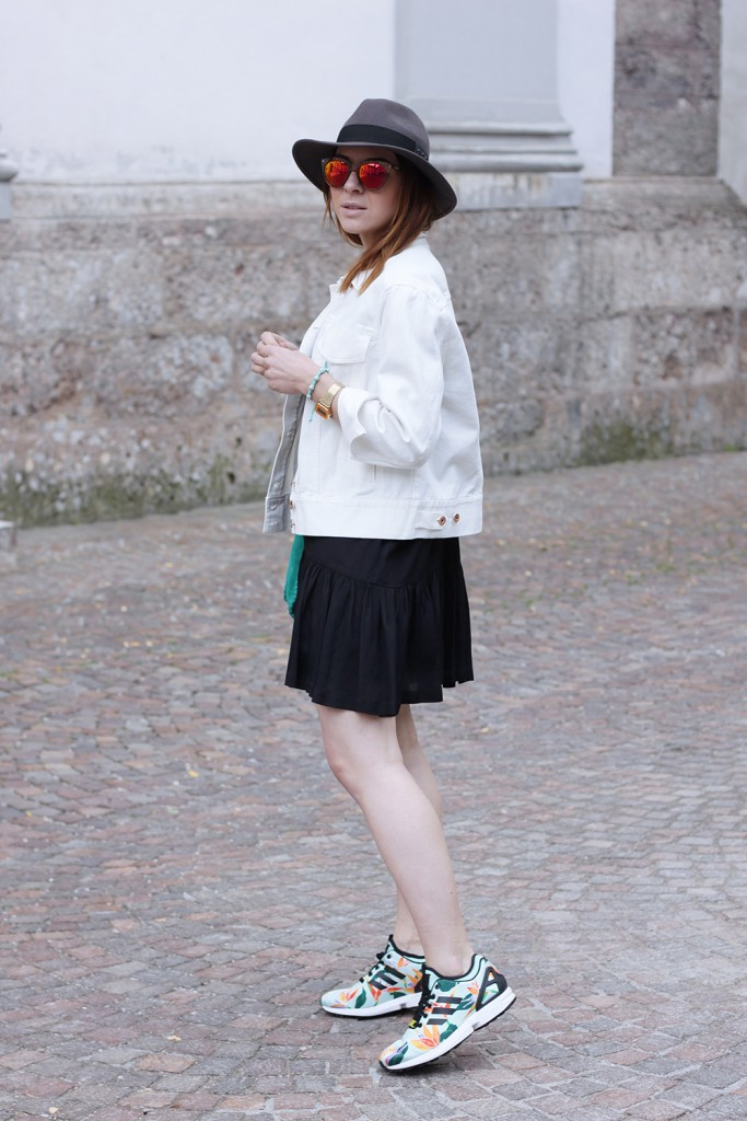 fashion-secret with skirt sneakers