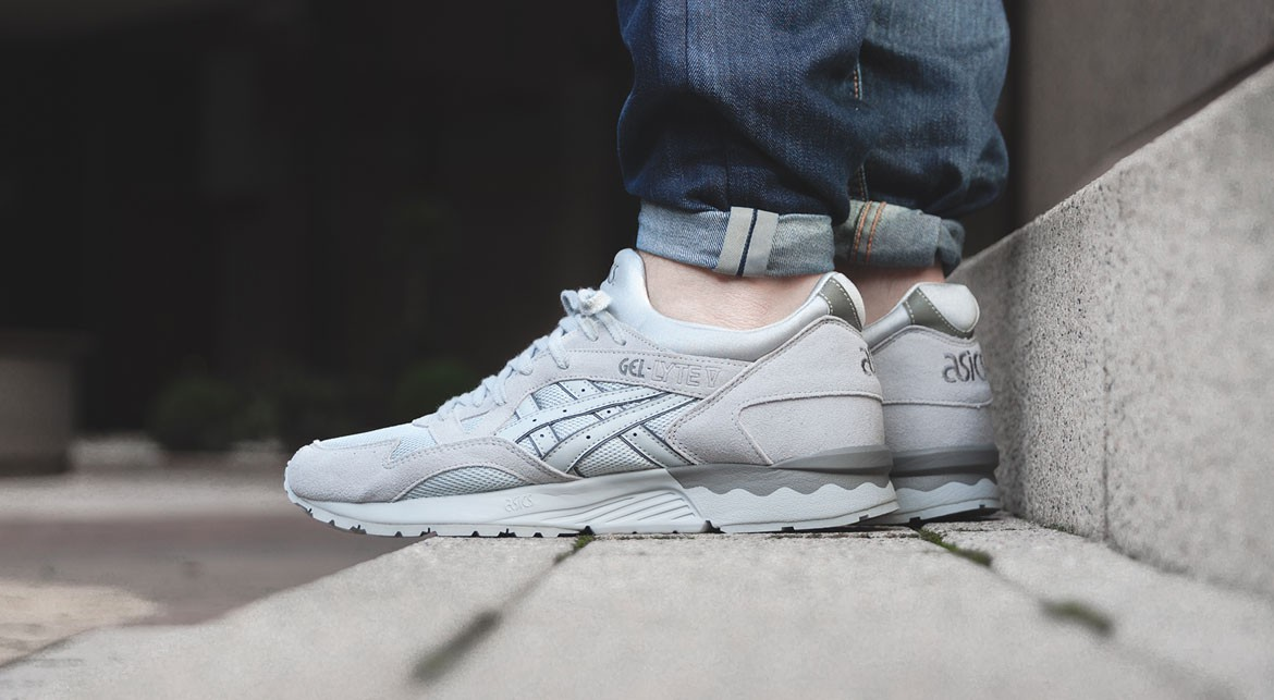 afew-store-sneaker-asics-gel-lyte-v-lights-out-pack-light-grey-light-grey-312