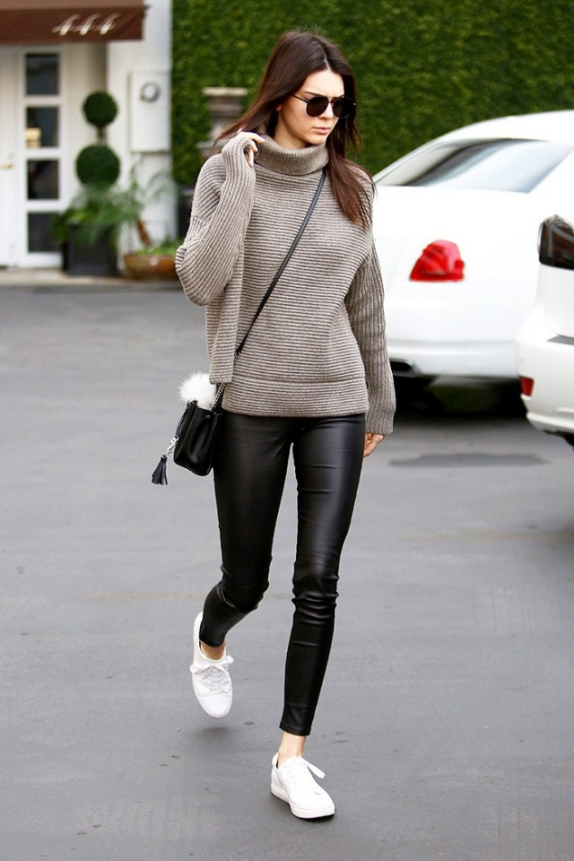 kendall-jenner-wears-the-sneakers-all-the-parisian-girls-have-1605127-1450727393.640x0c