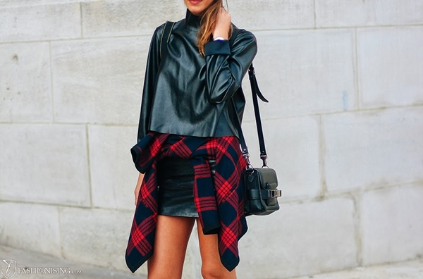 http://thefashiontag.com/2014/01/23/90s-trend-shirts-around-the-waist/