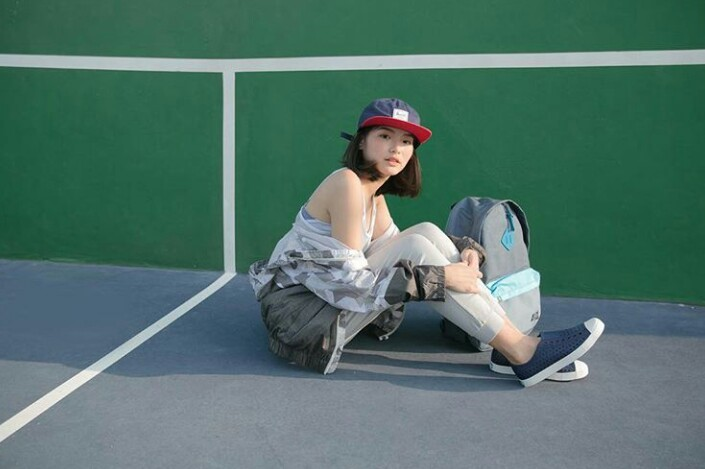 girl with flipflop_๑๗๐๕๒๒_0005