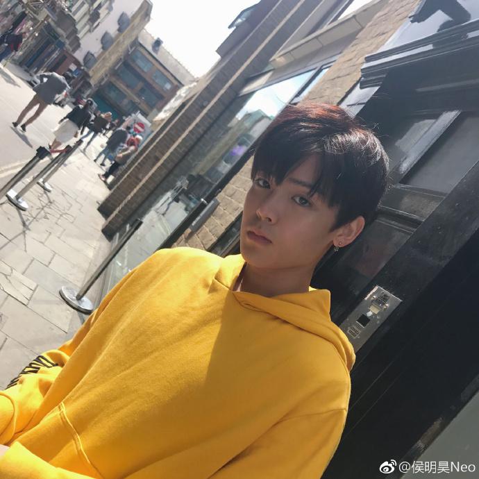 weibo.com/u/1831550987