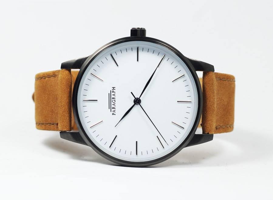 นาฬิกาสีน้ำตาล