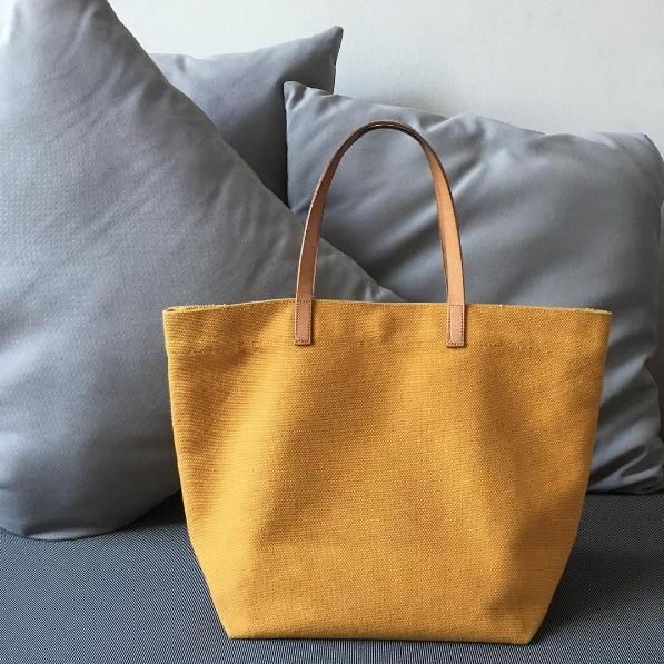 กระเป๋าผ้าสีเหลือง