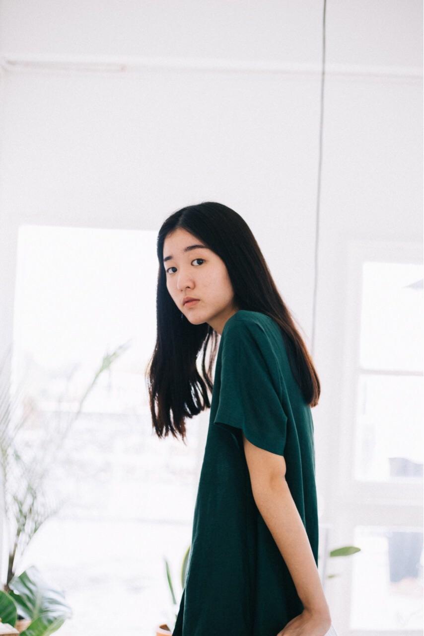 [ เดรสสั้น แขนสั้น Marlilyn dress - 990 THB ]