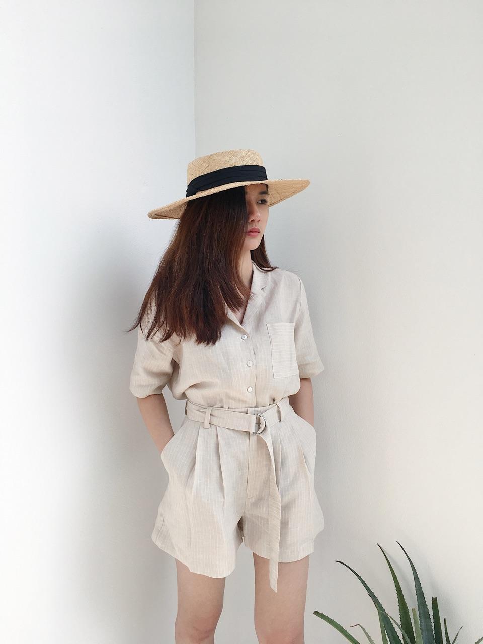 เสื้อเชิ้ต แขนสั้น Linen stripe shirt : 790 THB