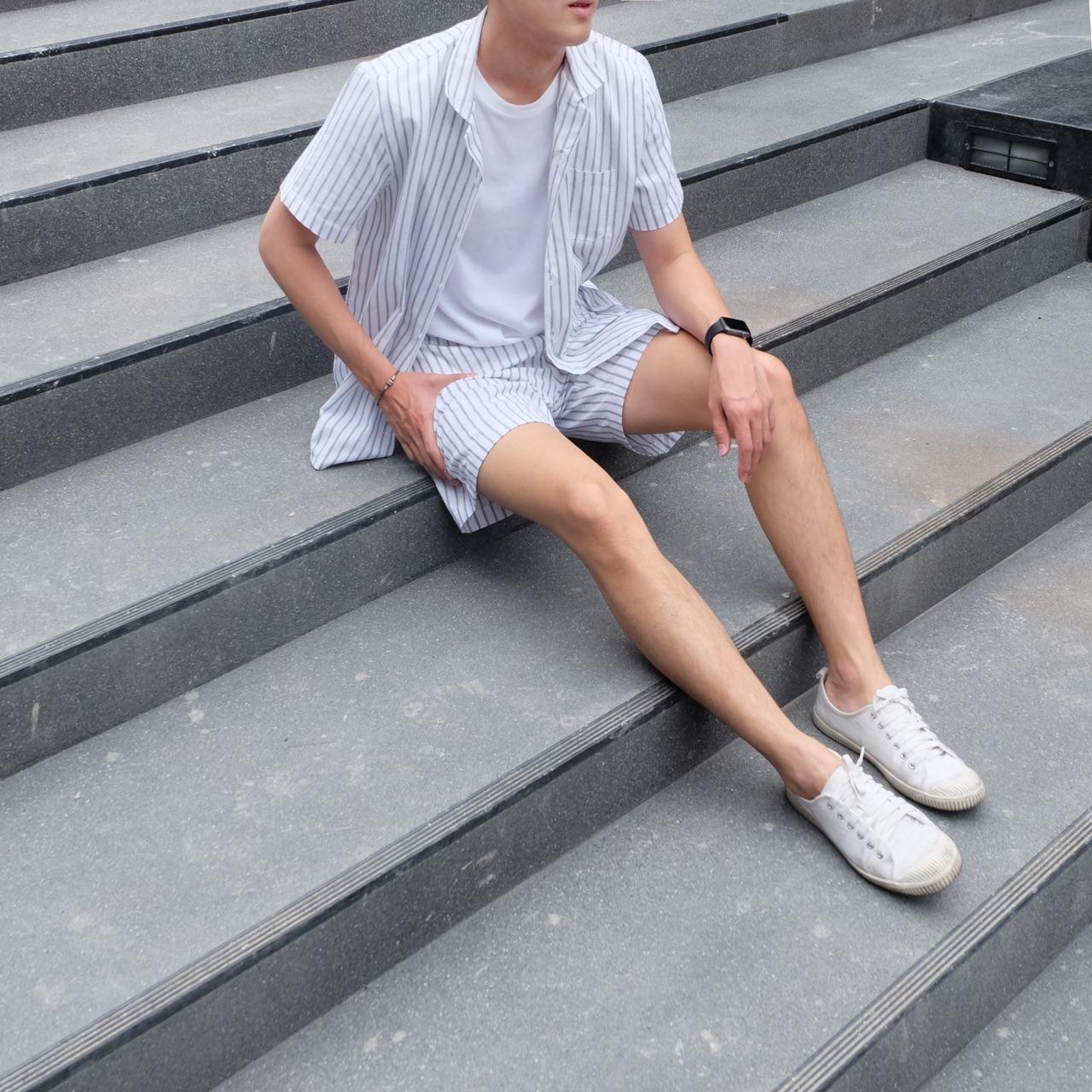 กางเกงขาสั้น Shorts (Line White) - 410 THB