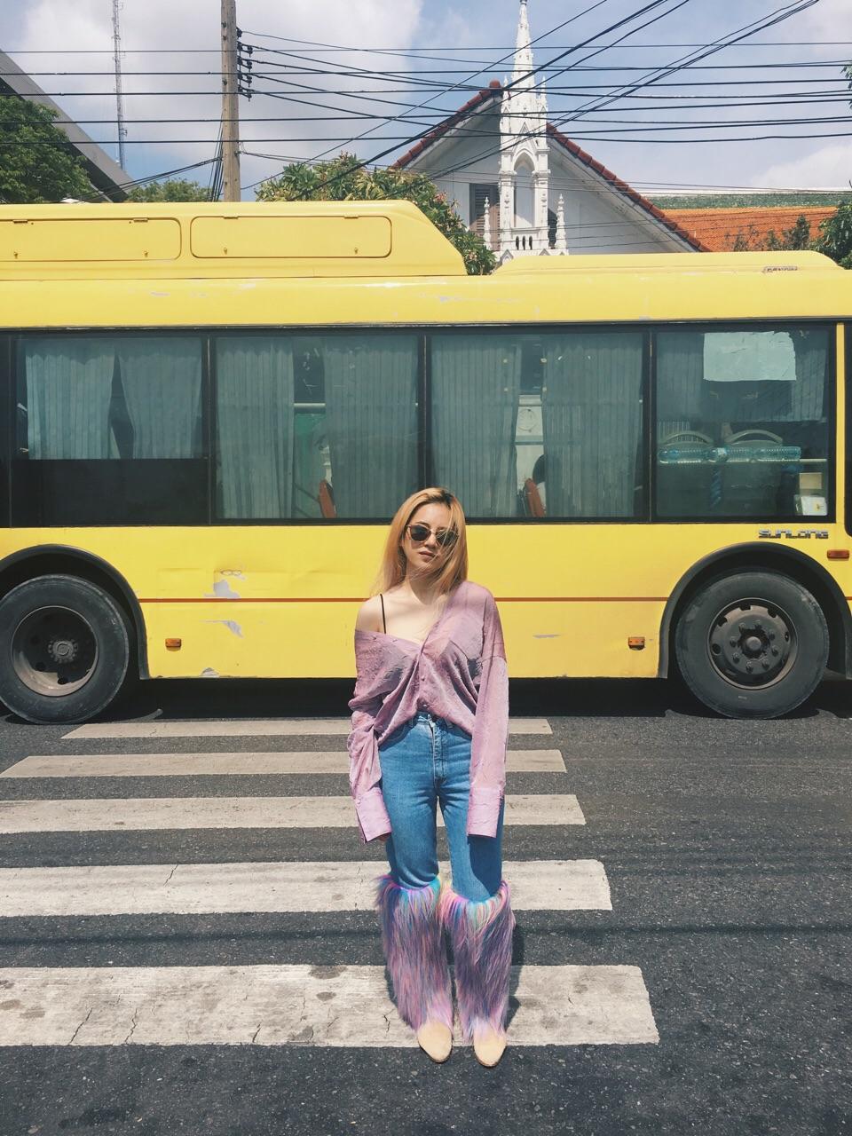 กางเกงยีนส์ขายาวสีม่วง