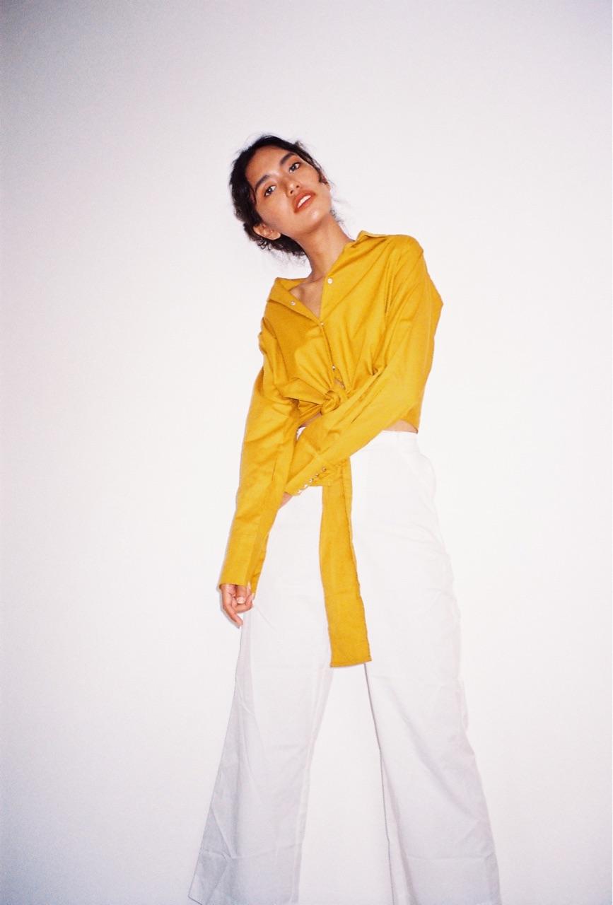 เสื้อเชิ้ตสีเหลือง_1