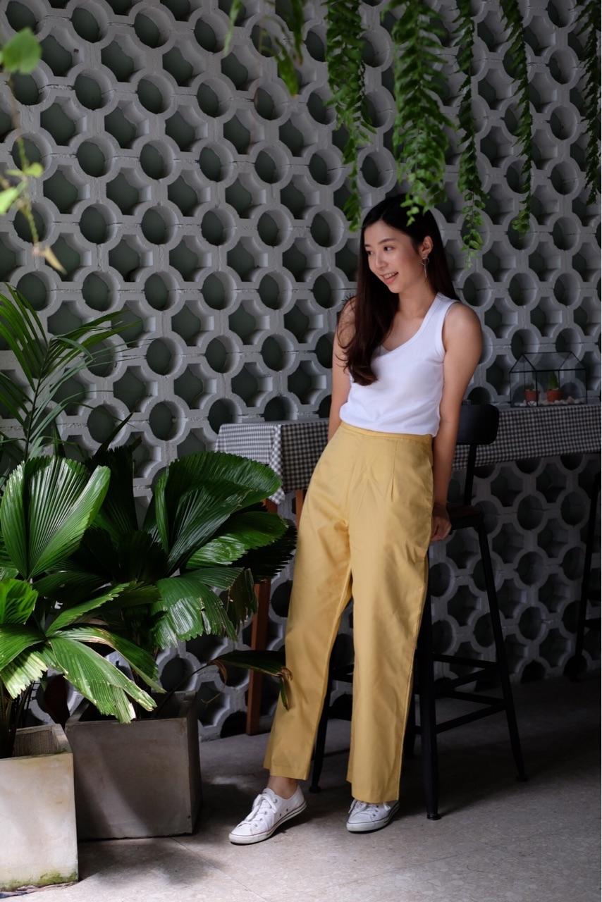 กางเกงขายาวสีเหลือง