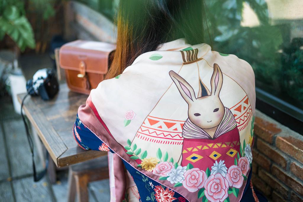 ผ้าคลุมไหล่ลายกระต่าย_1