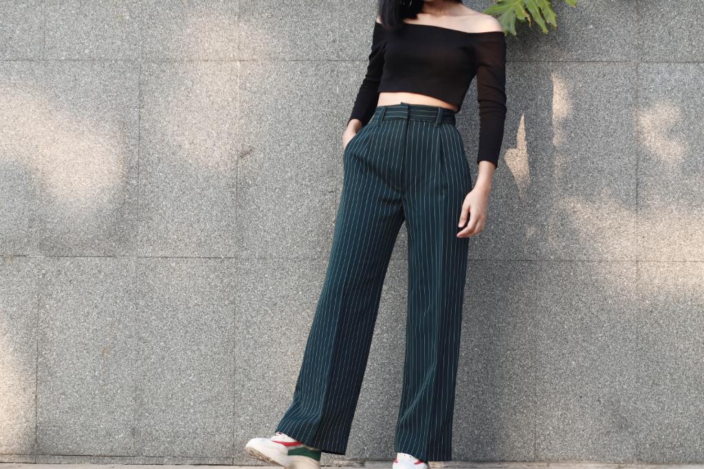 กางเกงขายาวสีเขียว