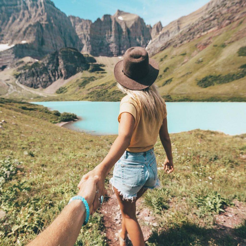 hikinginglacier.com