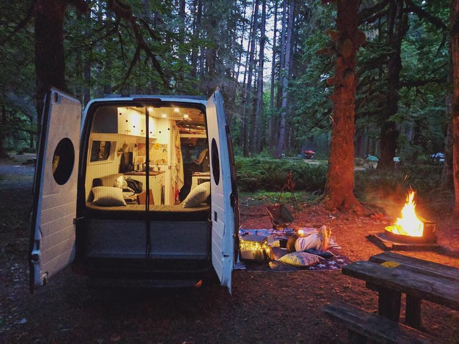 แนะนำ 5 ประเภทแคมป์ปิ้งคาร์ (Camping Car) สำหรับขับรถผจญภัยตั้งแคมป์ สไตล์หนุ่มเอาท์ดอร์