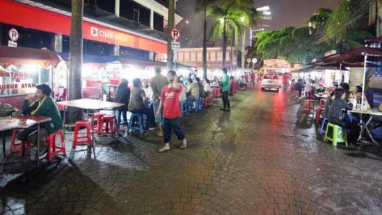 Wisatawan-Kuliner-di-Jakarta-yang-Maknyooss-Part-1-photo1-37-GDS-Channel.jpg