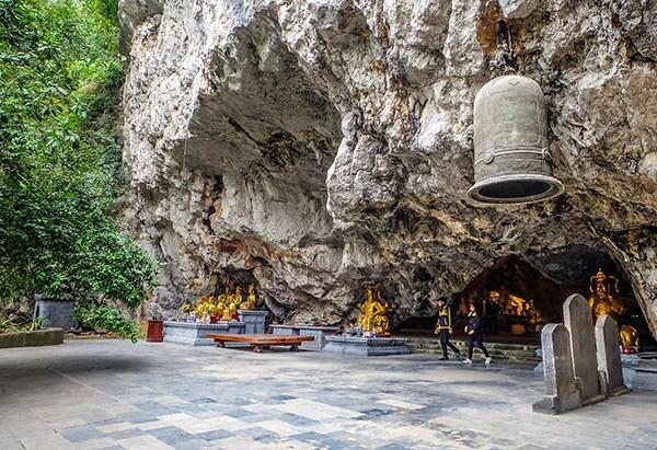 s11-Am-Tien-cave-2.jpg