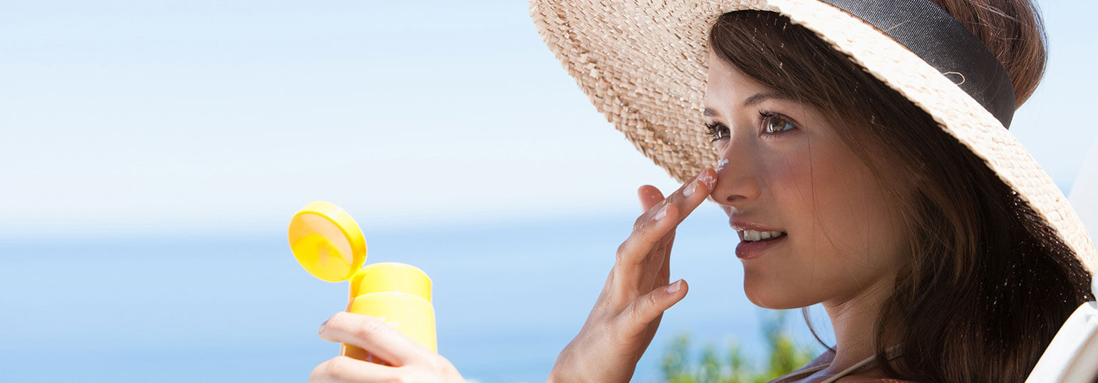 6 COMMON MISTAKES YOU MIGHT BE MAKING WHILE APPLYING SUNSCREEN