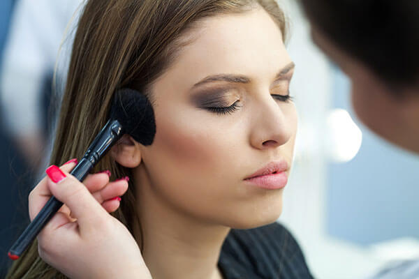 contouring for perfect selfie
