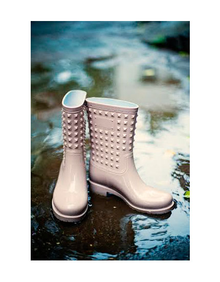 The Coolest Rain Boots to add a splash of style to your look ...