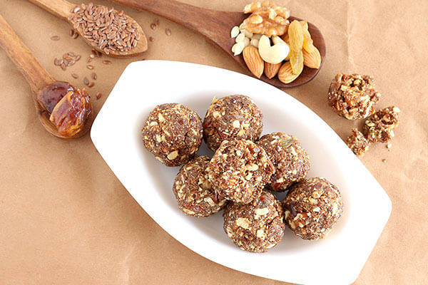 date and almonds add to your diet