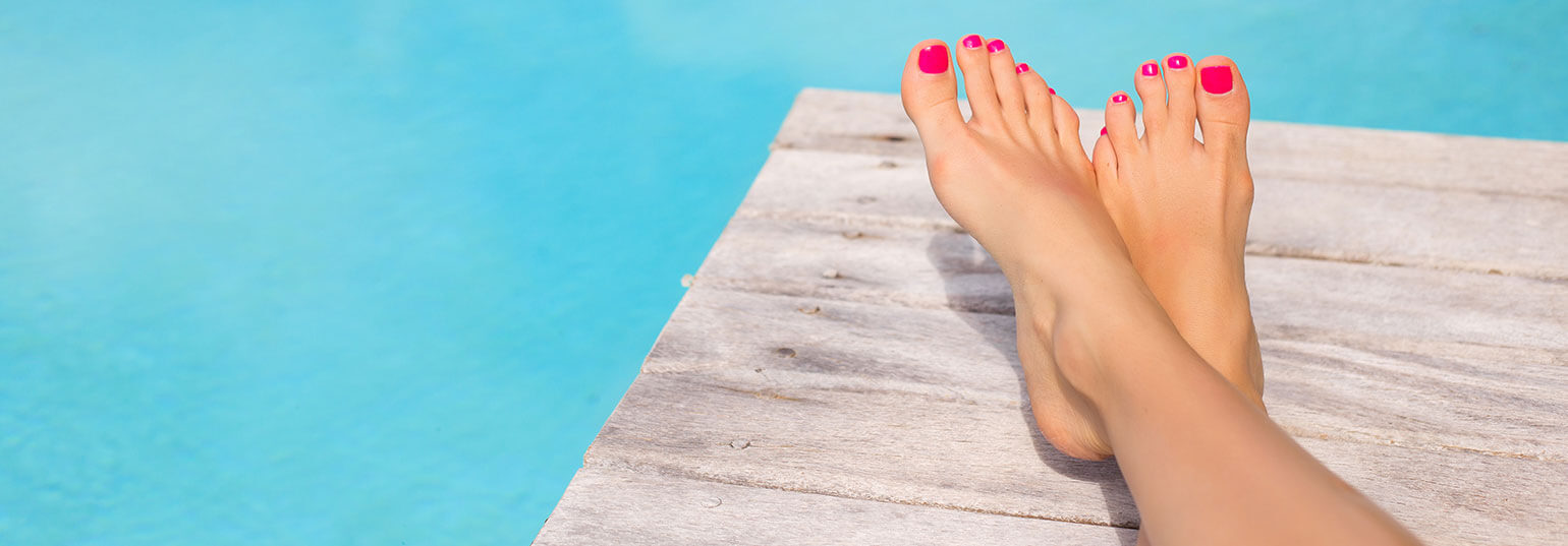 A DIY GUIDE TO GET RID OF THE TAN ON YOUR FEET