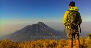 Pemandangan Gunung Merapi dari Puncak Suwanting (Afvendiant/ PMTG adventure)