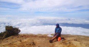 Puncak Gunung Ciremai (foto : @afvendiant)
