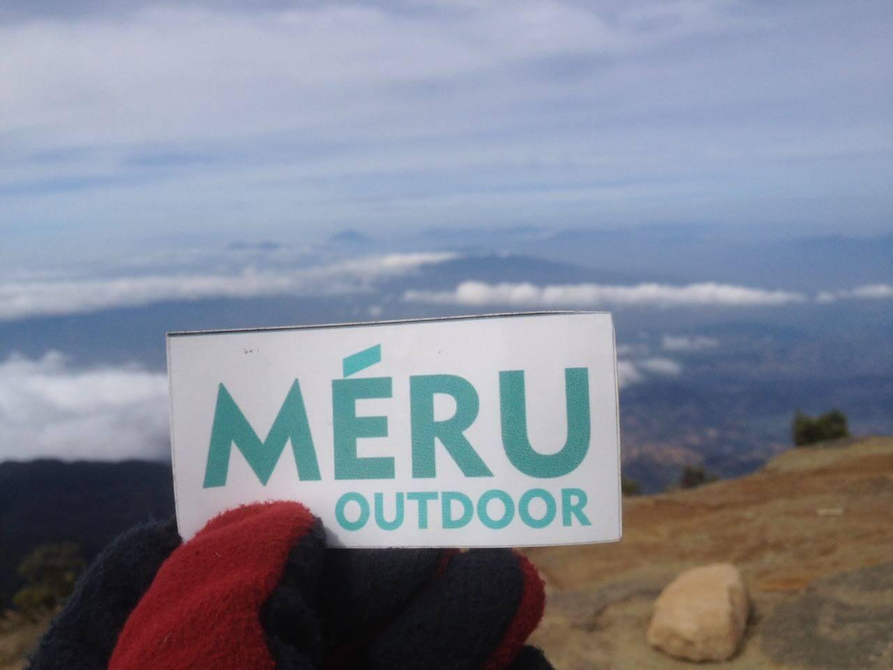 MERU Outdoor Cirebon di Puncak Gunung Ciremai 3078 mdpl (Foto oleh : @afvendiant)