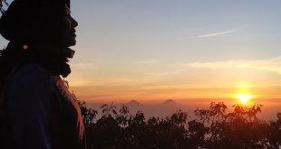 Sunrise Pos 7 Slamet via bambangan (Foto oleh : @johanhimself )