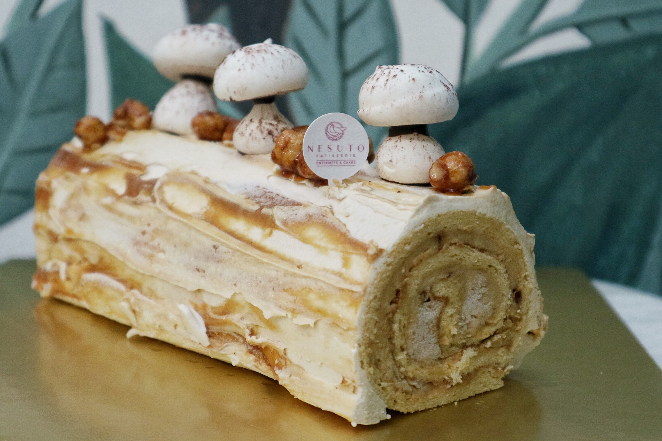 Nesuto: Launches New Afternoon High Tea Set & Exquisite Christmas Log Cakes