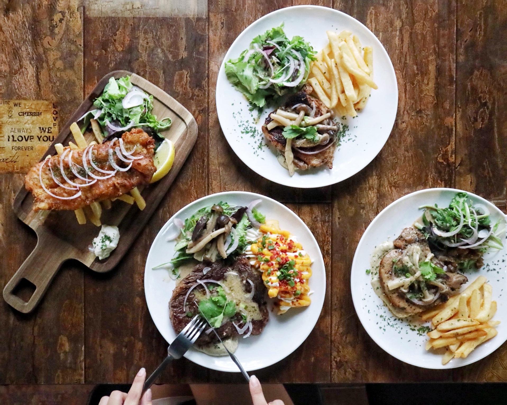 (NEW) Eat Talk Drink: Hidden & Humble Bistro Bar inside Pasir Ris Park, beside a STABLE!