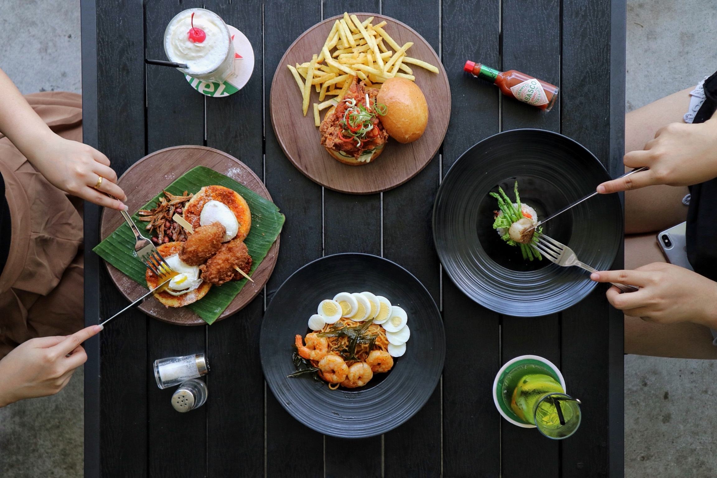 Atmosphere Bistro: New Nasi Lemak Egg Benedict? You sure it's good, and not gimmicky?