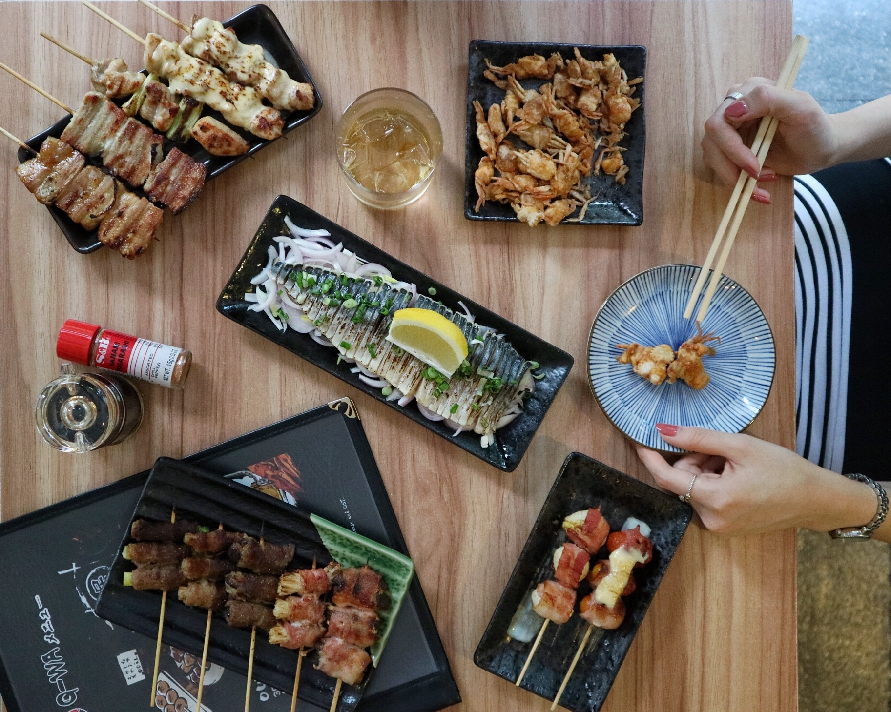 Q-WA Izakaya: Opens New Outlet at Bugis; Skewers & Sake Party!