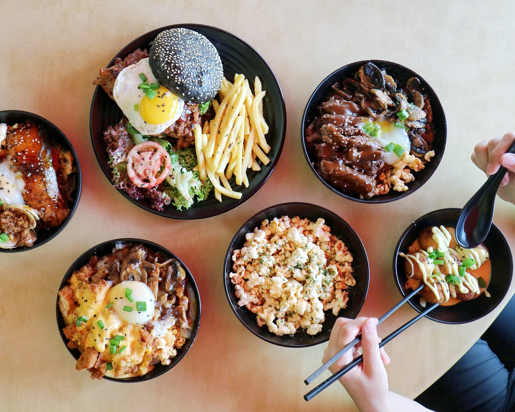 (New) Indulge SG: This stall in Upper Thomson Kopitiam serves HUGE, Restaurant-Quality & Affordable Rice and Soba Bowls!