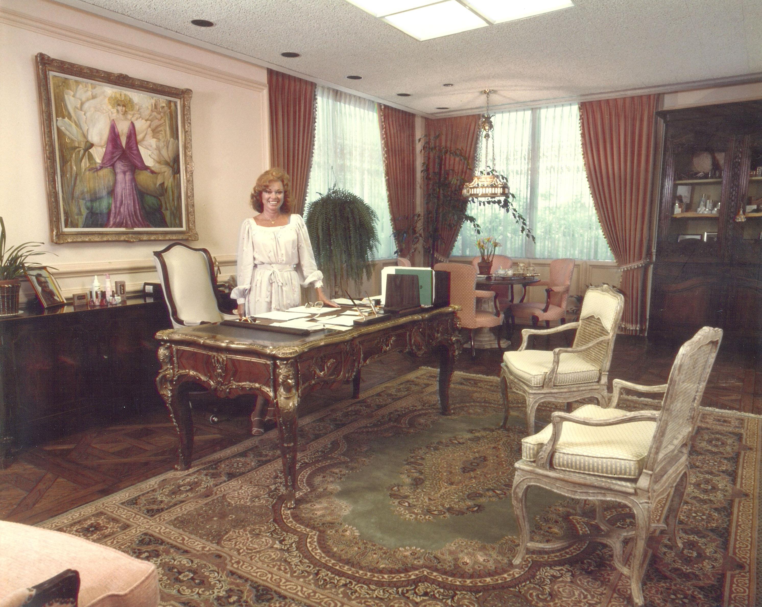 Paula Kent Meehan_Redken Office_300