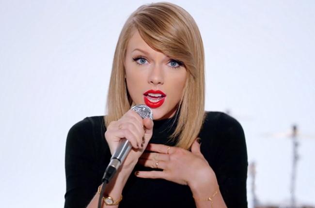 taylor-swift-shake-it-off-video-2-2014-billboard-650