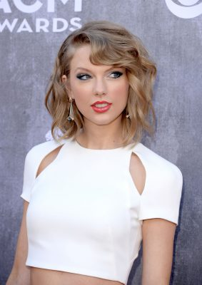 taylor-swift-at-2014-academy-of-country-music-awards_1