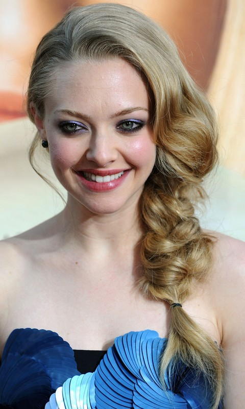 Amanda-Seyfried-Hairstyles-Long-Braided-Hairstyle