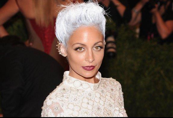 nicole-richie-grey-hair