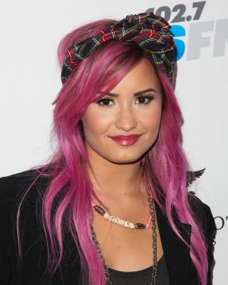 demi-lovato-pink-hairstyles