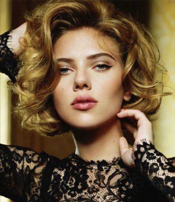 Scarlett-Johansson-short-wavy-hair