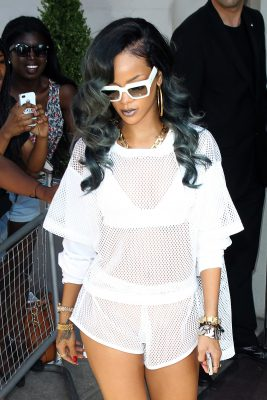Rihanna-debuted-gray-hair-week-also-wore-coordinating
