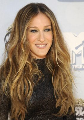 UNIVERSAL CITY, CA - JUNE 01: Sarah Jessica Parker arrives to the 2008 MTV Movie Awards on June 1, 2008 at the Gibson Amphitheatre in Universal City, California. (Photo by Kevin Mazur/WireImage)