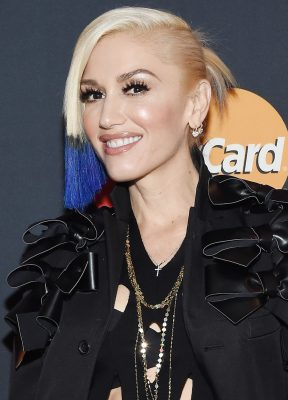 NEW YORK, NY - OCTOBER 17: Gwen Stefani poses befor a concert presented by MasterCard exclusively for its cardmembers at Hammerstein Ballroom at the Manhattan Center on October 17, 2015 in New York City. (Photo by Larry Busacca/Getty Images for MasterCard)