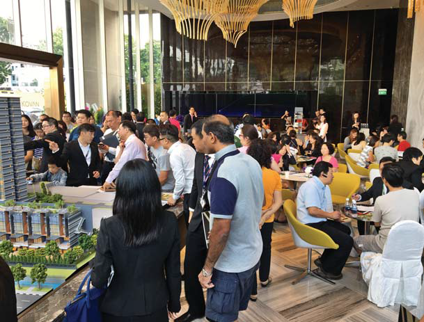 A total of 4,000 people visited the Stars of Kovan showflat at the VIP preview on May 7 and 8