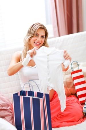 Cermat Memilih Baju sebagai Perlengkapan Bayi