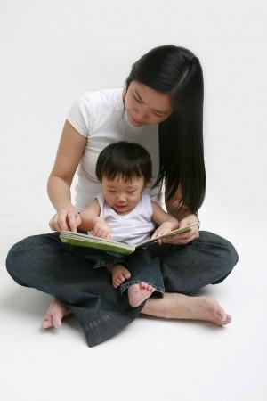 Mengembangkan Kemampuan Berbahasa pada Anak