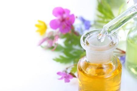Manfaat Jojoba Oil untuk Kulit Bayi