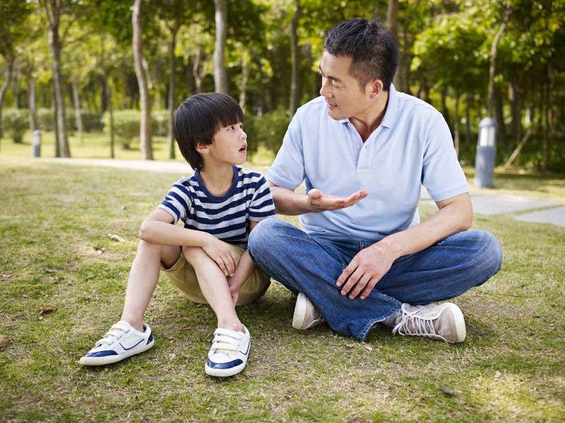 5 Kegiatan untuk Mengembangkan Kecerdasan Interpersonal Si Kecil