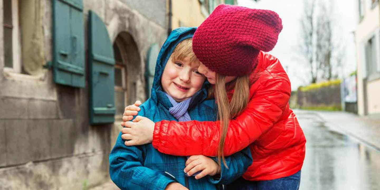 6 Tips Menjaga Kesehatan Anak Saat Musim Ekstrim